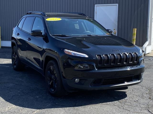 Pre-Owned 2017 Jeep Cherokee Limited 4WD 4D Sport Utility